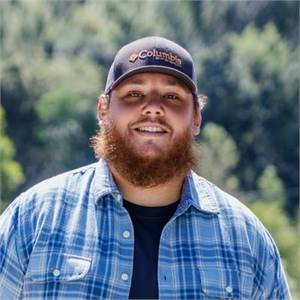 Luke Combs: Club Level Seating